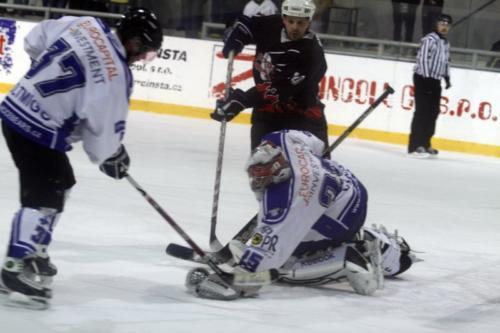 1-zapas-playoff-2011-sputnik-vs-icebears